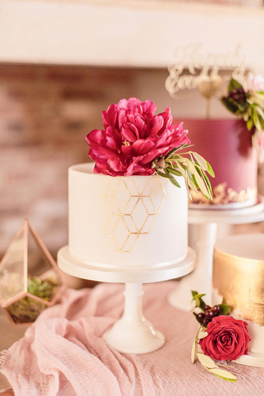 Plum Burgundy Red Cakes Metallic Floral Silk Table Cloth Pink Geometric Marsala Gold Wedding Carn Patrick Photography