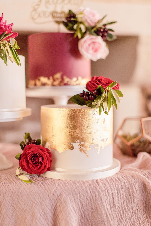 Plum Burgundy Red Cakes Metallic Floral Silk Table Cloth Pink Leaf Marsala Gold Wedding Carn Patrick Photography