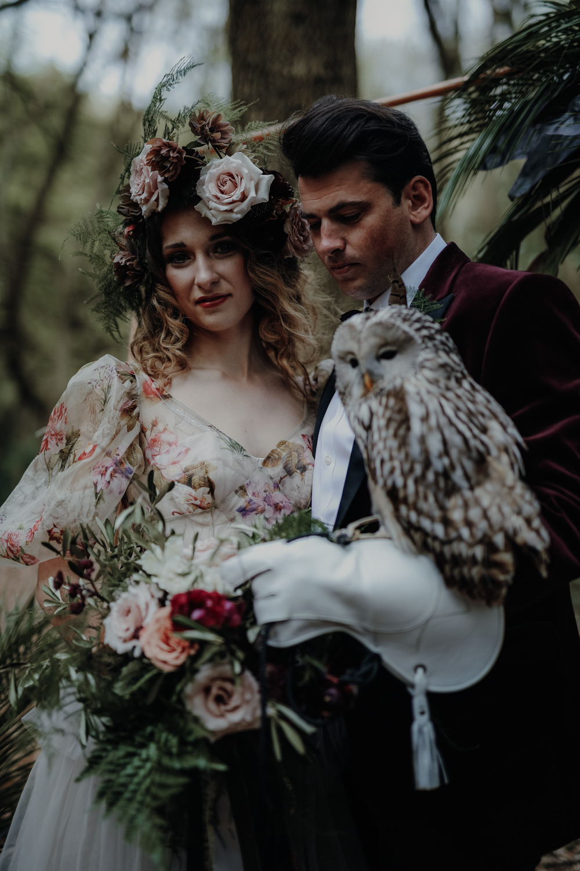 Owl Bird Bride Groom Modern Gothic Woods Wedding Ideas Ayelle Photography