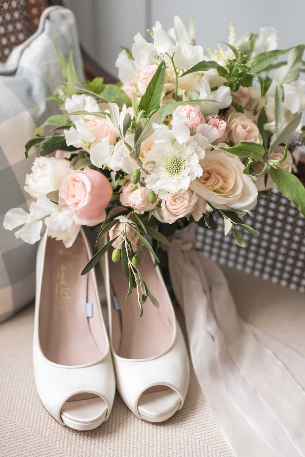 Bouquet Flowers Bride Bridal Blush Pink White Dahlia Cafe Au Lait Rose Sweet Peas Tythe Barn Priston Mill Wedding Eleanor Jane Photography