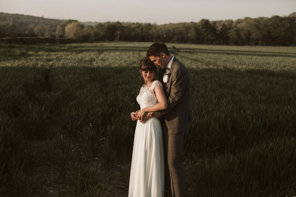 Travel Wine Inspired Rustic Outdoor Natural Farm Field Countryside Bride Groom Sunset Romantic Portraits | Farbridge Barn Wedding Jamie Dunn Photography