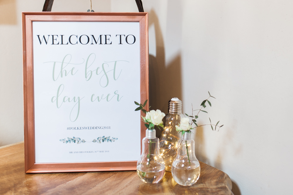Welcome Sign Light Bulb Lamps Vase Moreves Barn Wedding Gemma Giorgio Photography