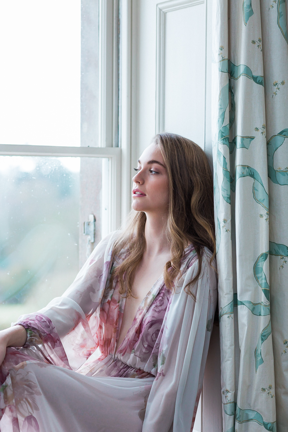 Modern Ballet Inspired Fine Art Editorial Somerley House Morning Bridal Prep Floral Robe Domenica Domenica Natural Make-up | Romantic Soft Wedding Ideas Siobhan H Photography