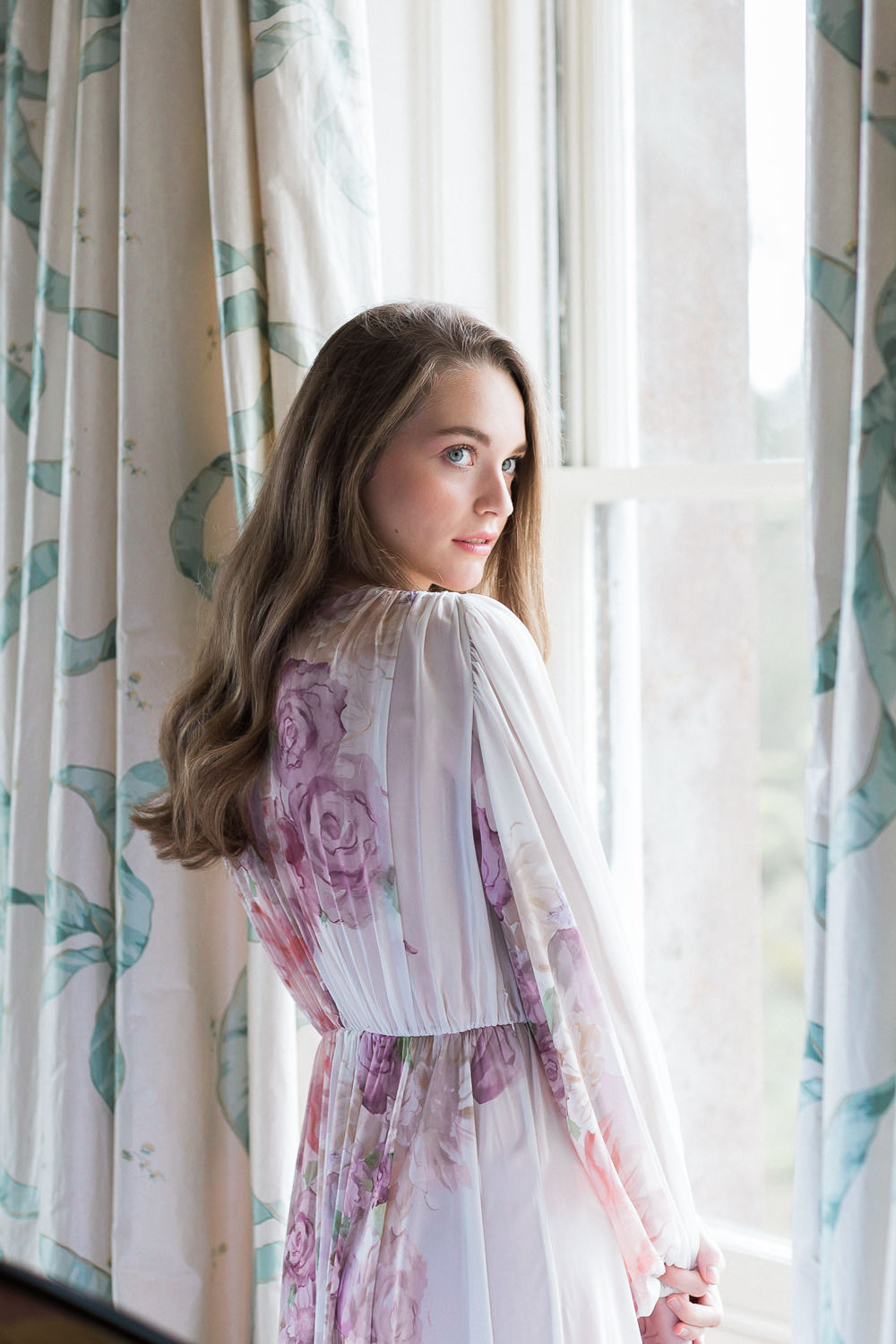 Modern Wabi Sabi Ballet Dance Inspired Fine Art Editorial Somerley House Morning Bridal Prep Floral Robe Domenica Domenica Natural Make-up | Romantic Soft Wedding Ideas Siobhan H Photography