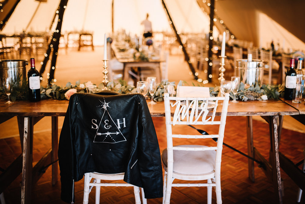 Chairs Mr Mrs Signs Alcott Weddings Oobaloos Photography