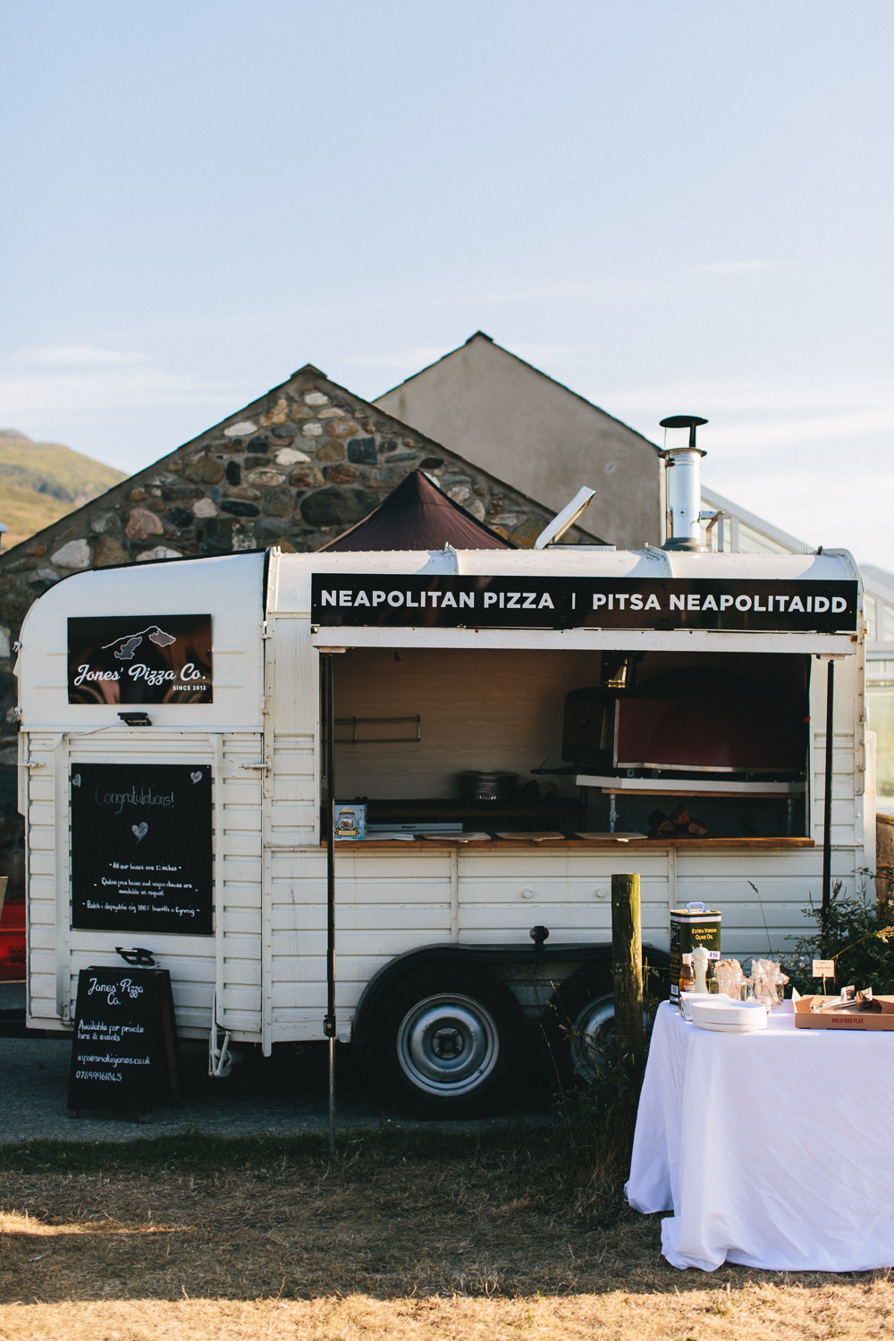 Pizza Van Horse Box Bach Wen Farm Wedding Jessica O'Shaughnessy Photography