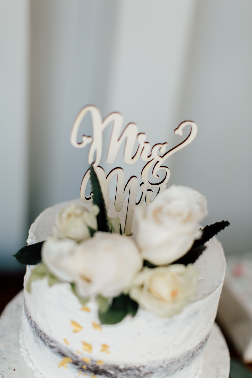 Semi Naked Cake Flowers Laser Cut Topper Gold Emotional Outdoor Wedding Laura Memory Photography