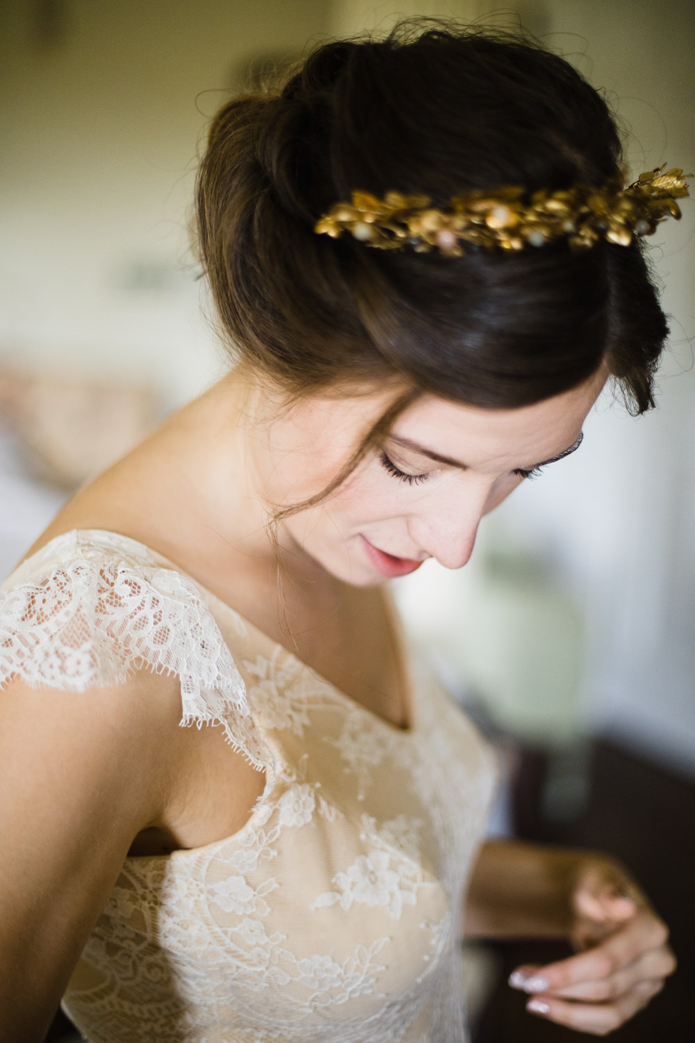Hair Accessory Bride Bridal Tiara Fun Laughter Relaxed Wedding Chris Barber Photography