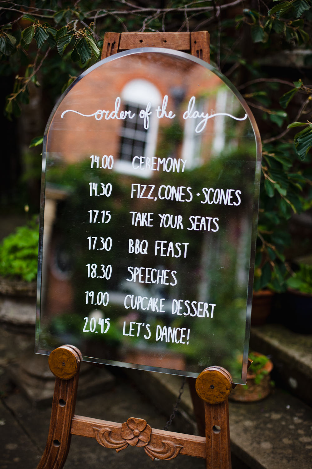 Mirror Calligraphy Order Day Sign Fun Laughter Relaxed Wedding Chris Barber Photography