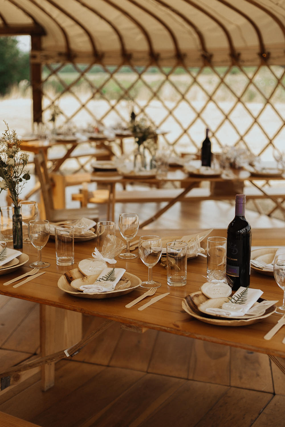 Rustic Tables Decor Riverside Weddings Oxfordshire Yurt Luis Calow Photographer