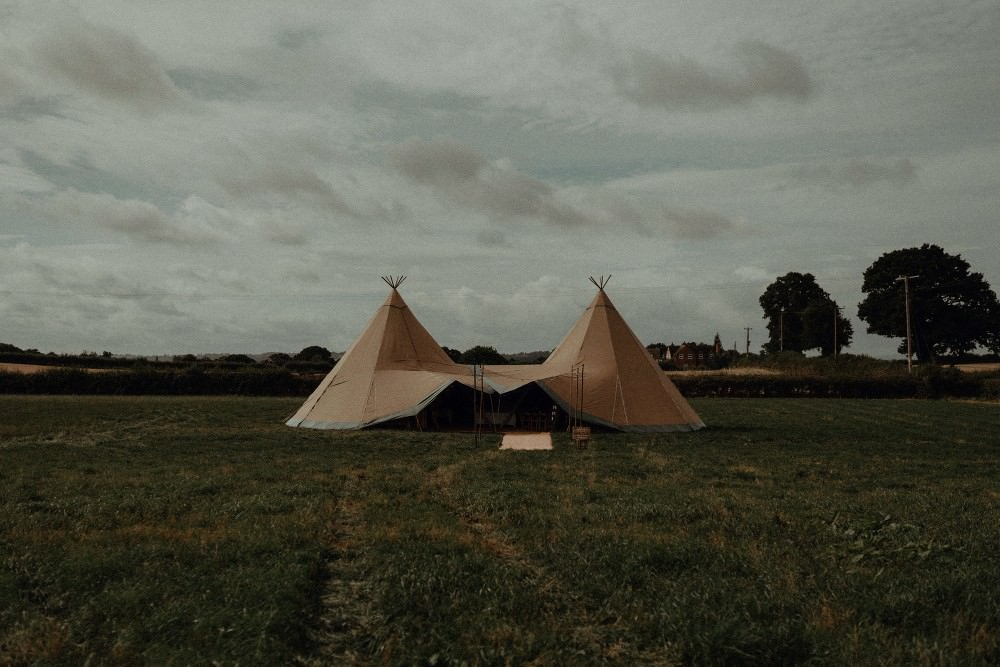 Tipi Autumn Dark Red Wedding Belle Art Photography