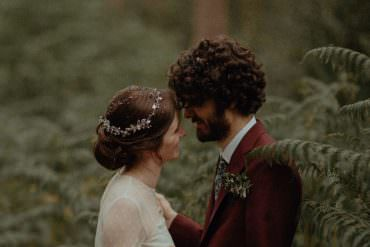 Atmospheric Autumn Wedding in Shades of Dark Red & Burgundy