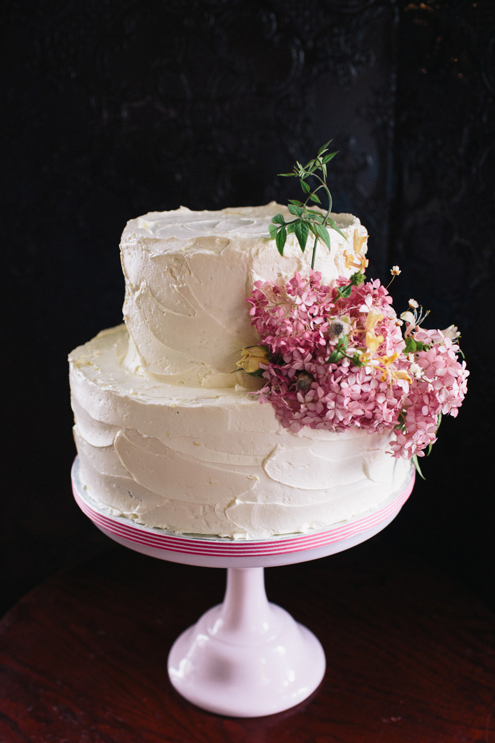 Buttercream Cake Flowers Floral Stand East London Leytonstone Wedding Robbins Photographic
