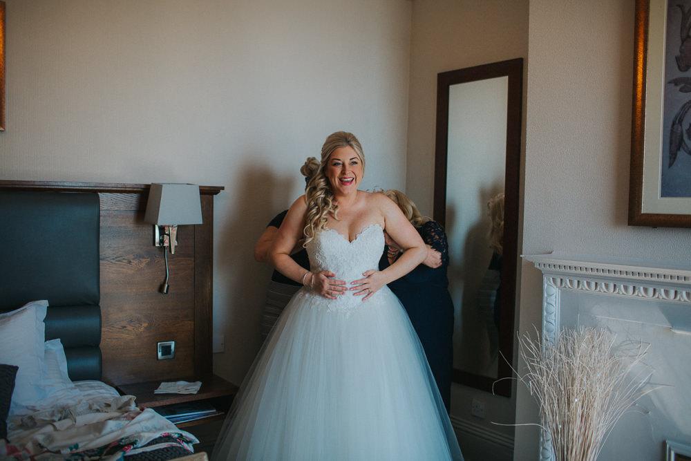 Bride Bridal Dress Gown Sweetheart Neckline Lace Princess A Line Minnehaha Events Wedding Lisa Webb Photography