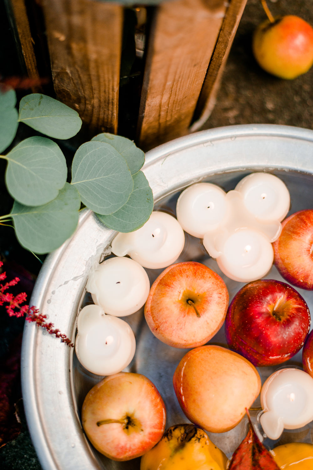 Floating Water Fruit Candles Autumnal Fairytale Wedding Ideas Miriam Peuser Photography