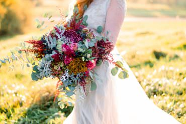 Autumnal Fairytale Wedding Ideas with the Most Beautiful Golden Light