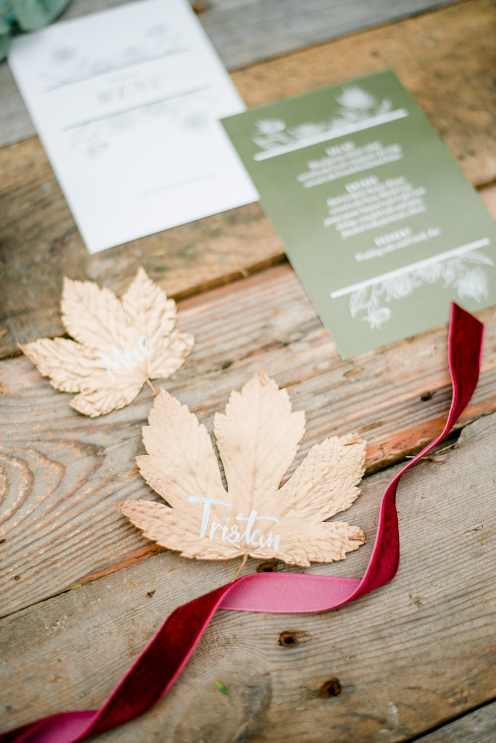 Place Setting Leaf Table Name Calligraphy Autumnal Fairytale Wedding Ideas Miriam Peuser Photography
