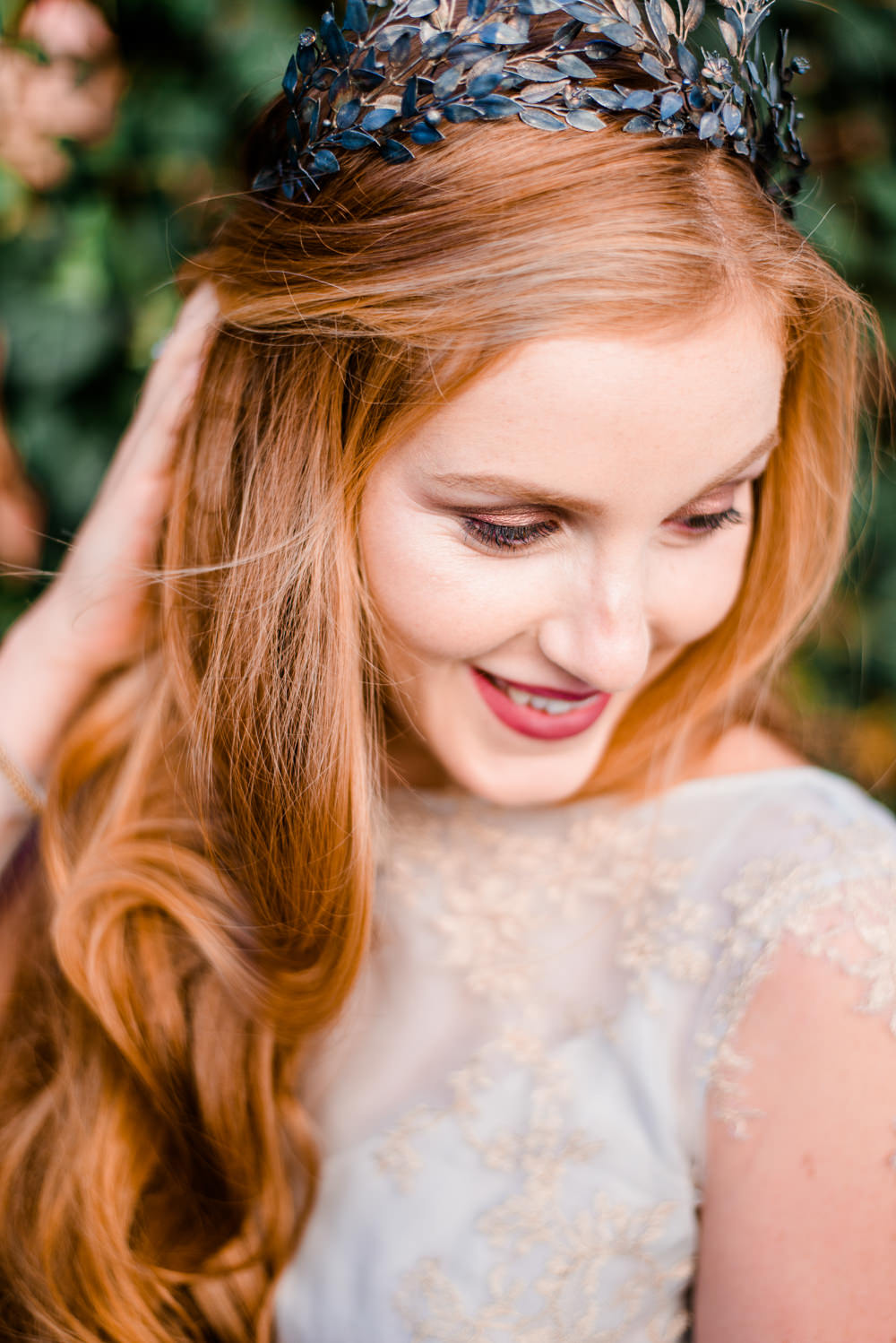 Hair Bride Bridal Loose Waves Style Curls Autumnal Fairytale Wedding Ideas Miriam Peuser Photography