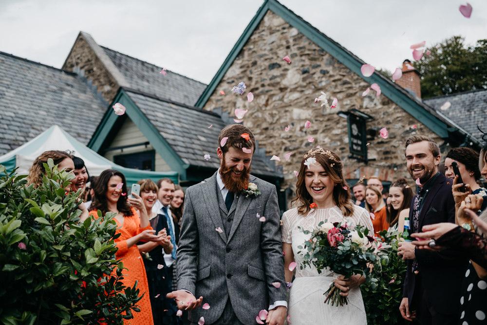 Confetti Throw Bodnant Welsh Food Wedding Elaine Williams Photography