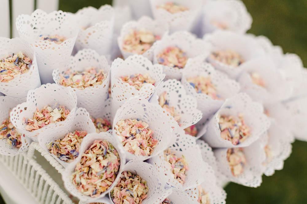 Confetti Cones Brewerstreet Farmhouse Wedding Danielle Smith Photography