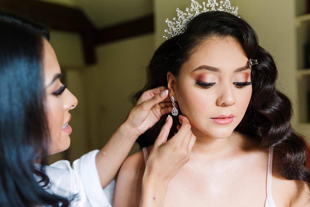 Bride Bridal Tiara Crown Wavy Down Brewerstreet Farmhouse Wedding Danielle Smith Photography