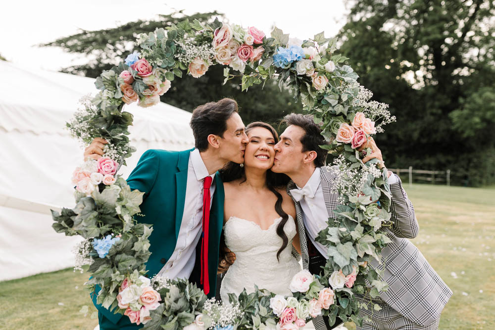 Floral Hoop Photo Booth Brewerstreet Farmhouse Wedding Danielle Smith Photography