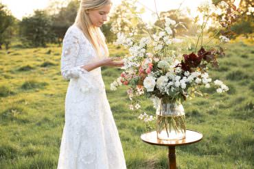 Light & Airy Summer Wedding Ideas with a Touch of Coral