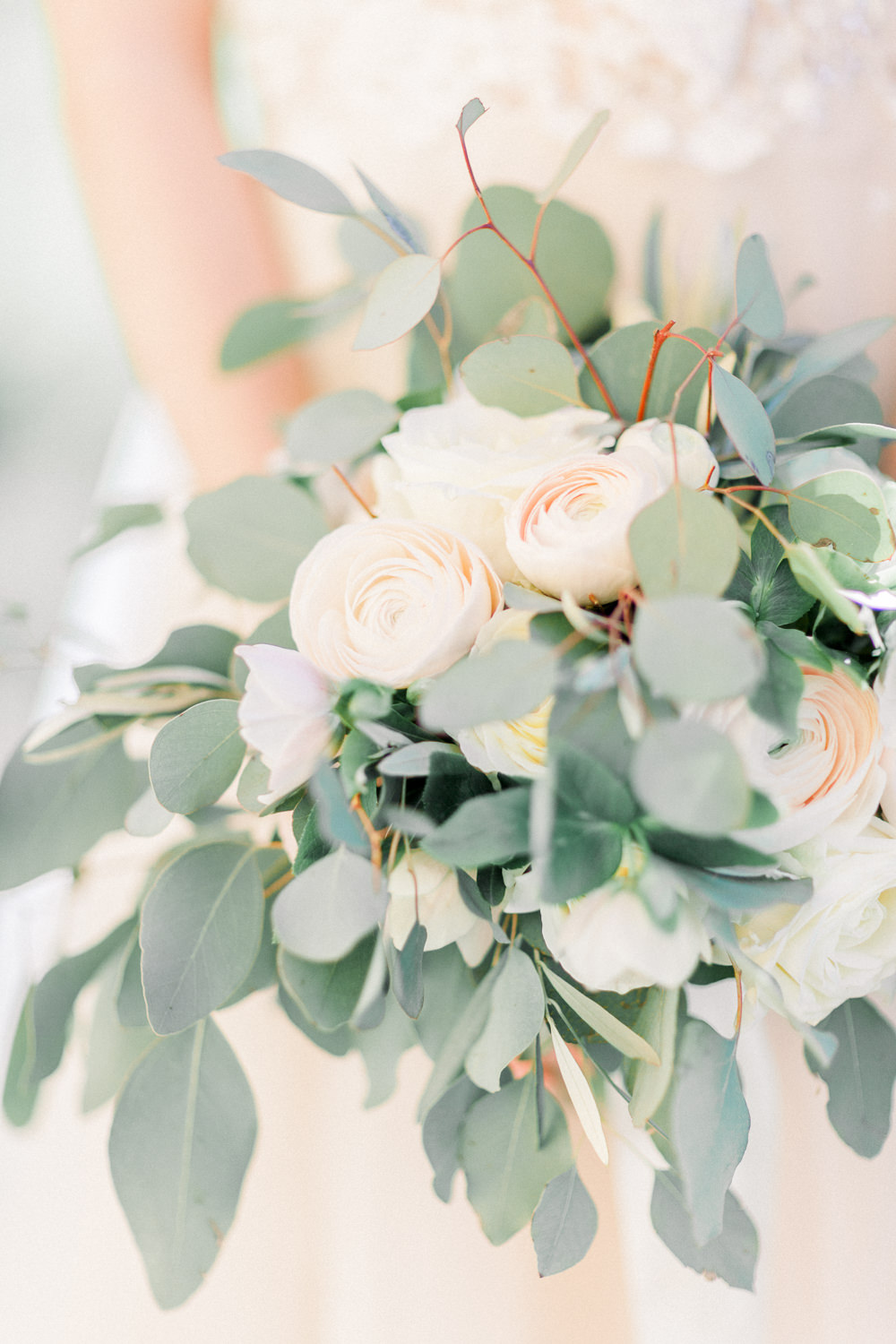 Bride Bridal Bouquet Flowers Greenery Foliage Cream Rose Ranunculus Romantic Tuscany Wedding Ideas Sonya Lalla Photography