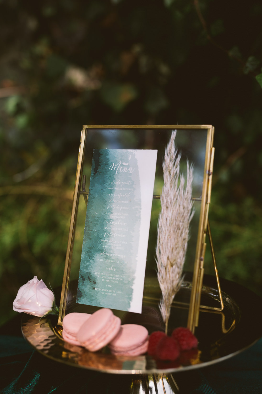 Watercolour Stationery Invitations Invites Suite Sign Frame Botanical Dark Green Velvet Pampas Grass Wedding Ideas Bárbara Araújo Photography