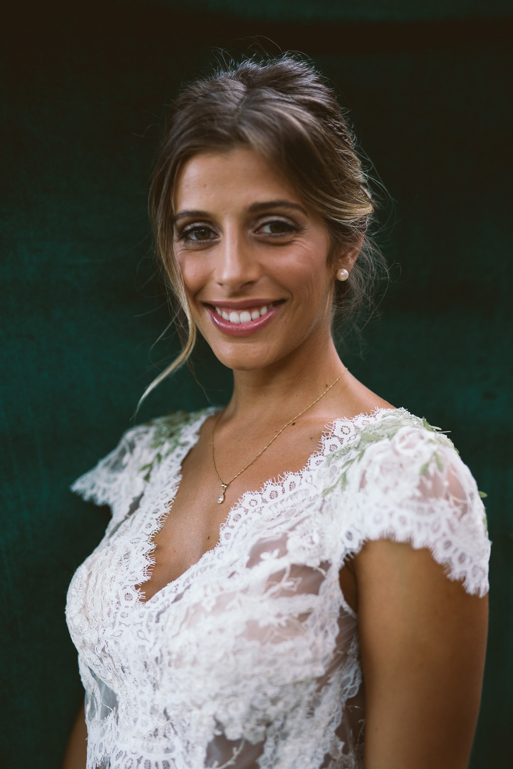 Bride Bridal Make Up Botanical Dark Green Velvet Pampas Grass Wedding Ideas Bárbara Araújo Photography