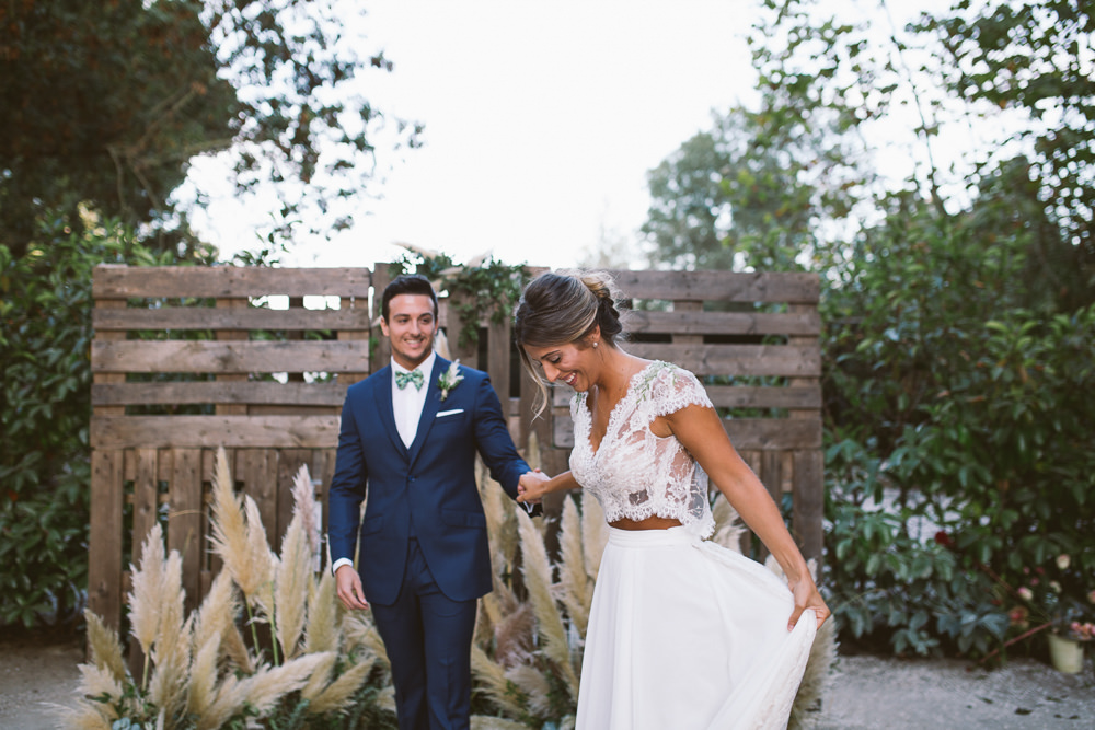 Botanical Dark Green Velvet Pampas Grass Wedding Ideas Bárbara Araújo Photography