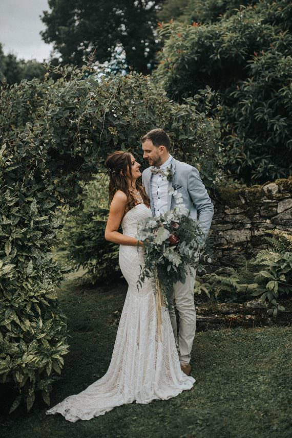 Watters Wtoo Betty Dress Gown Bride Bridal Strapless Sweetheart Fit Flare Eucalyptus Boho Greenery Barn Wedding Kerry Diamond Photography