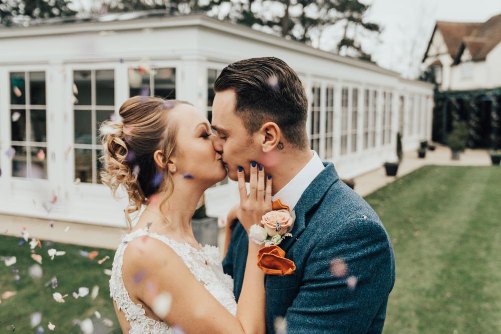 Confetti Throw Hoop Wedding Ideas Rebecca Carpenter Photography