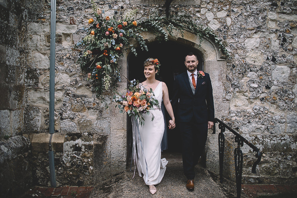 Joyful & Relaxed Barn Wedding with Bright Orange Roses & a Touch of Copper