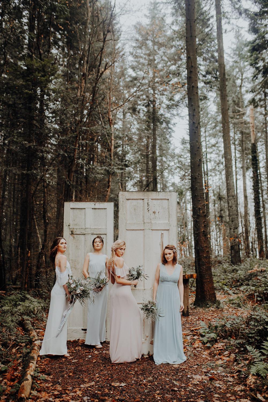 Door Backdrop Bride Bridesmaids Outdoor Woodland Wedding Ideas Geometric Meraki Wedding Photography