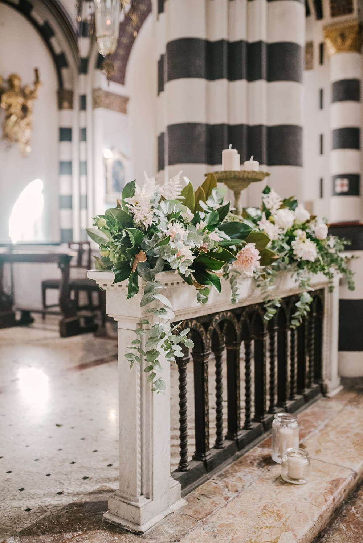 Flower Arrangement Church Milan Wedding Rossella Putino Photographer