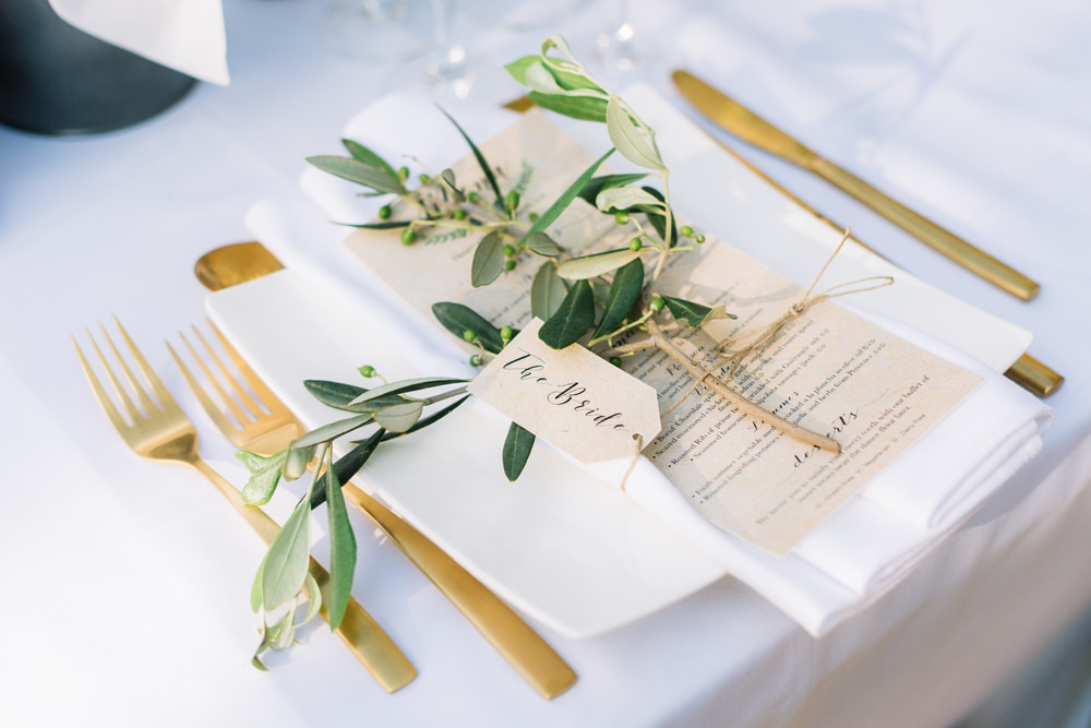 Table Place Setting Menu Greenery Foliage Tag Name Gold Cutlery Saint Tropez Wedding Sophie Boulet Photographe