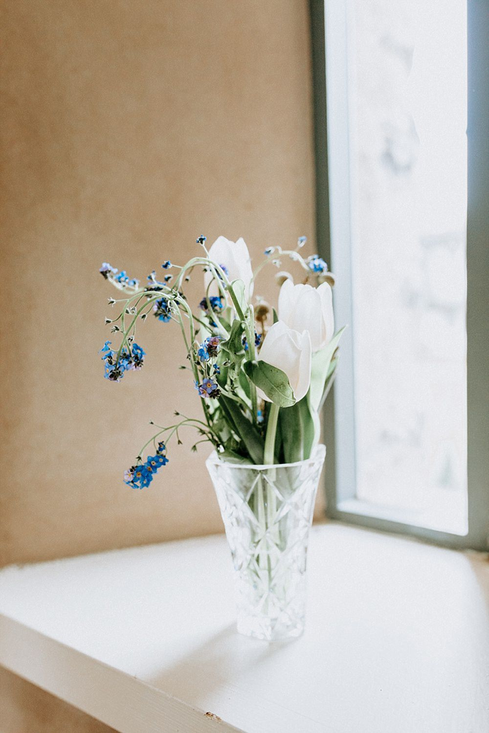 Vase Flowers Tulip Blue Gold Wedding Ideas Ailsa Reeve Photography