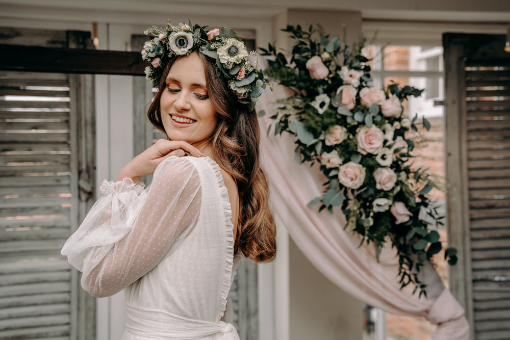 Flower Crown Bride Bridal Free Spirited Wedding Ideas EKR Pictures