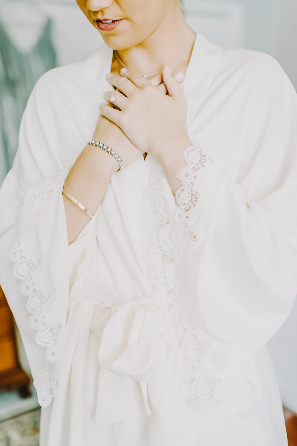 Dressing Gown Robe Bride Bridal Maryland Wedding L. Hewitt Photography