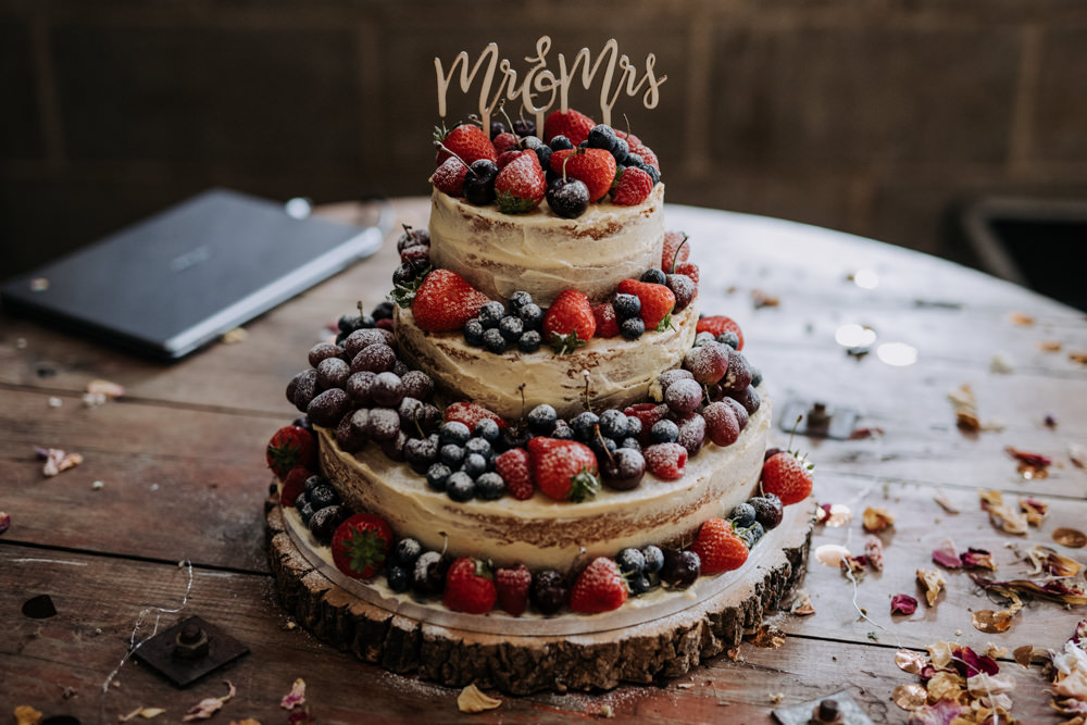 Naked Cake Sponge Layer Fruit Berries Log Slice Topper Deepdale Farm Wedding Kazooieloki Photography