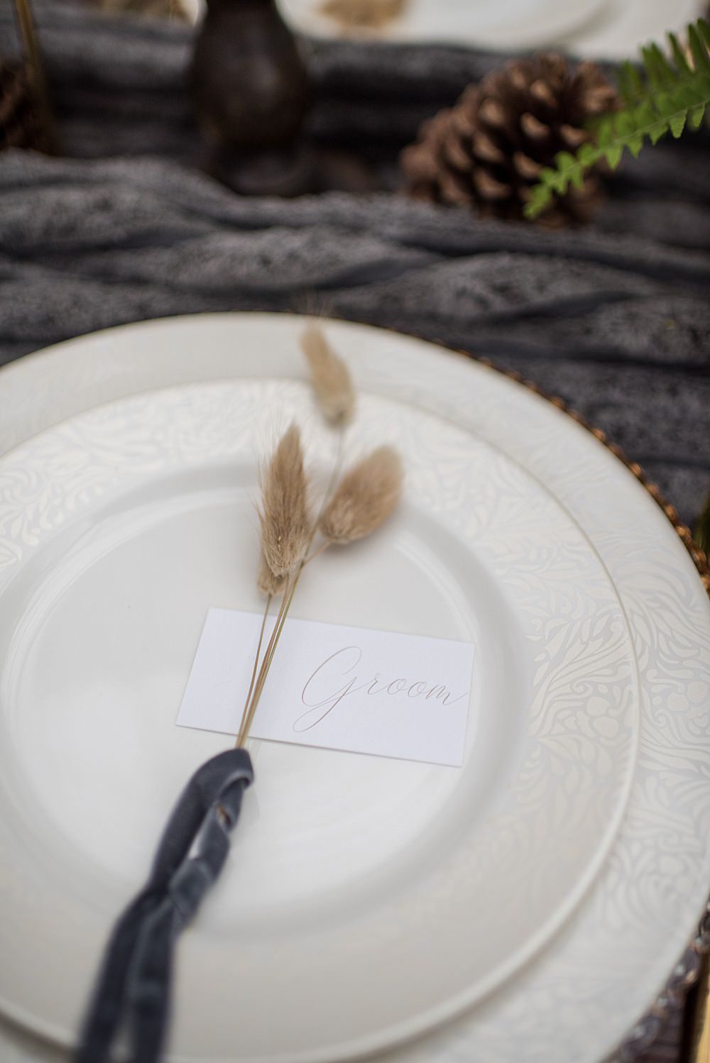 Place Setting Decor Plate Seed Head Velvet Ribbon Peach Gold Wedding Ideas Jane Beadnell Photography