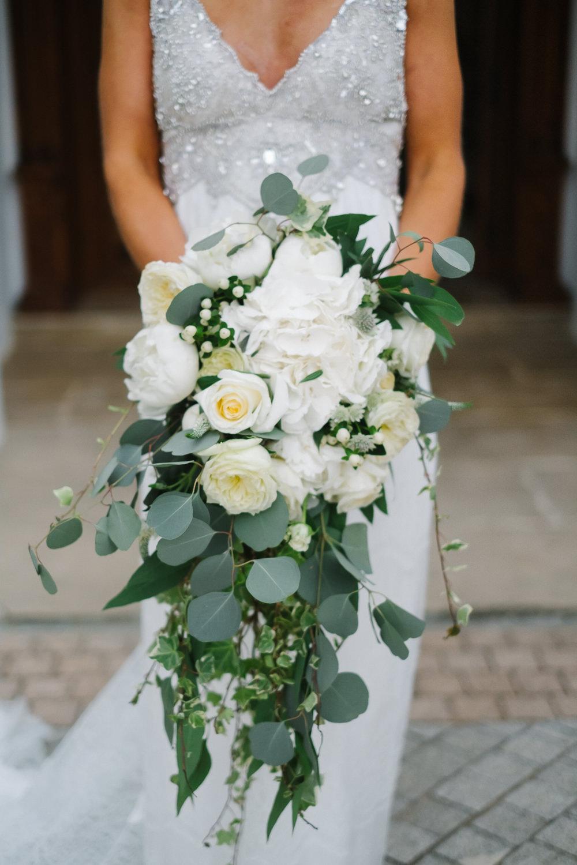 Bouquet Flowers Bride Bridal Greenery Foliage Trailing Cascading Rose Peony Eucalyptus Spain Destination Wedding Jesus Caballero Photography