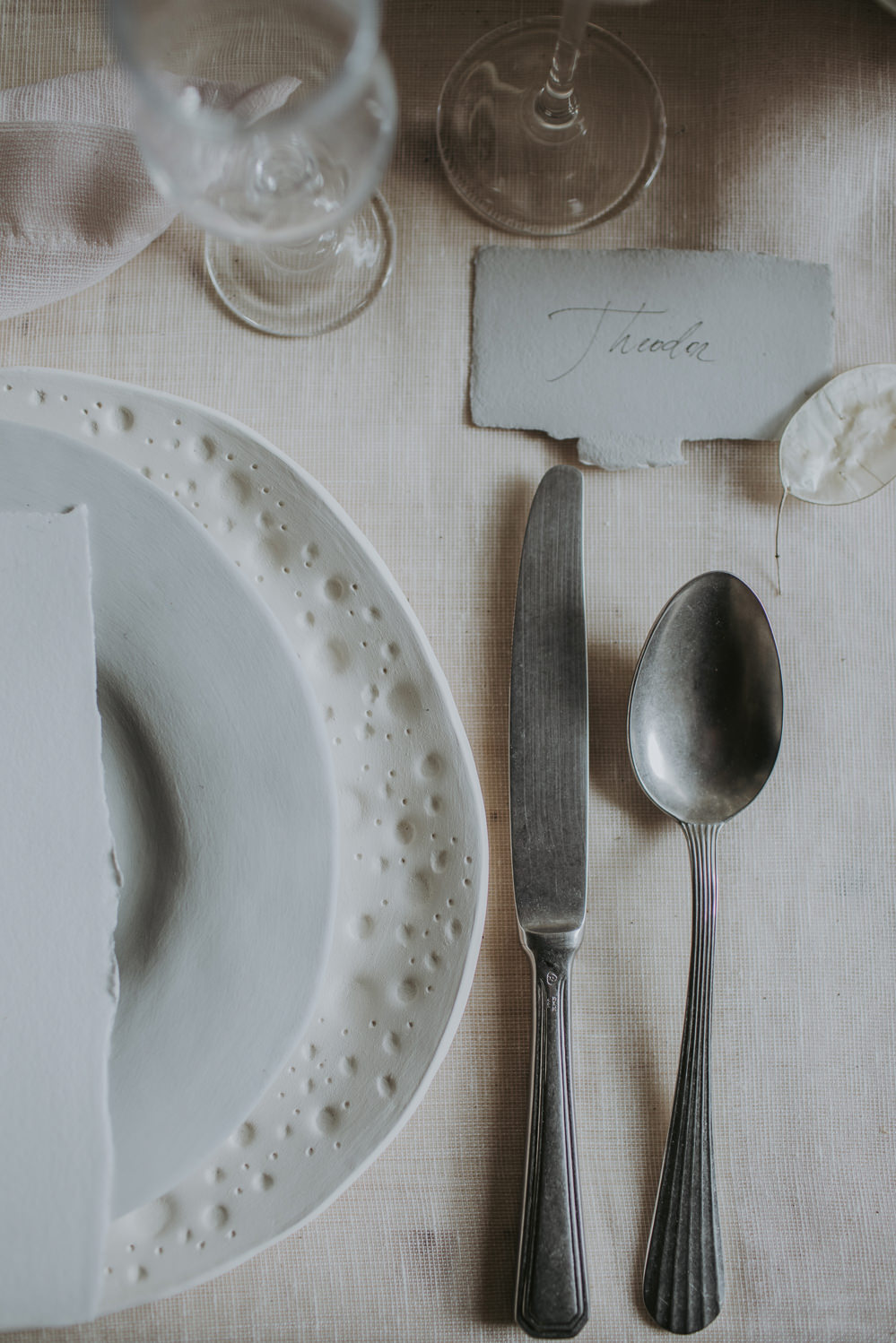 Place Setting Decor Menu Twig Plates Ceramic Tableware Napkin Natural Wild Neutrals Cutlery Place Tag Name Cave Wedding Ideas Vanessa Illi Photographer