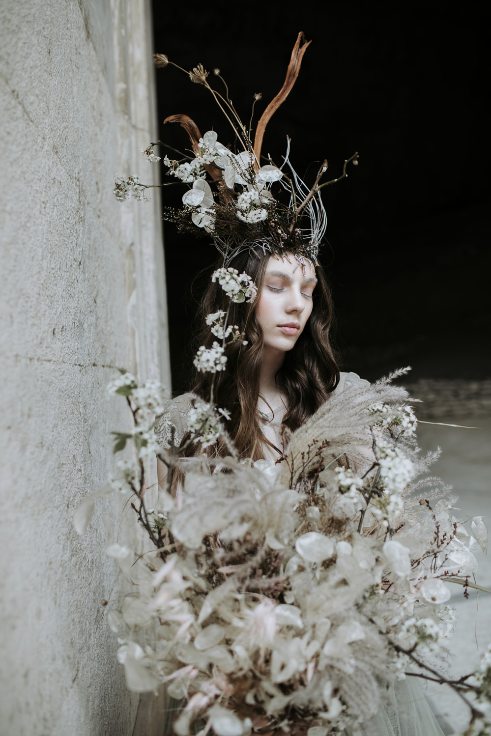 Bouquet Flowers Bride Bridal Feather Grasses Twigs Branches Flowers Wild Whimsical Natural Dried Seed Heads Cave Wedding Ideas Vanessa Illi Photographer