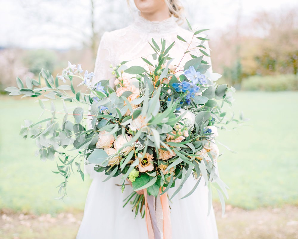 Bouquet Flowers Bride Bridal Oversized Unstructured Thistle Peach Rose Greenery Foliage Eucalyptus Ribbon Elegant Wedding Ideas Yll Weddings