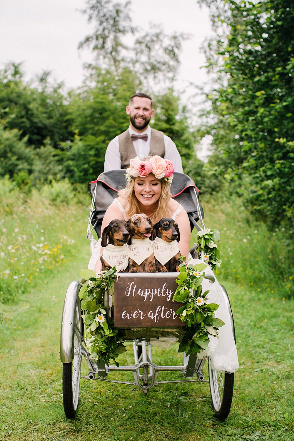 Bicycle Transport Rickshaw Pet Wedding Ideas Vicky Plum Photography