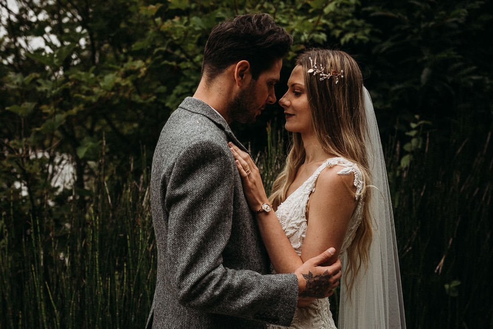 Bride Bridal Hair Long Veil Vine Accessory Horsley Hale Farm Wedding Thyme Lane Photography