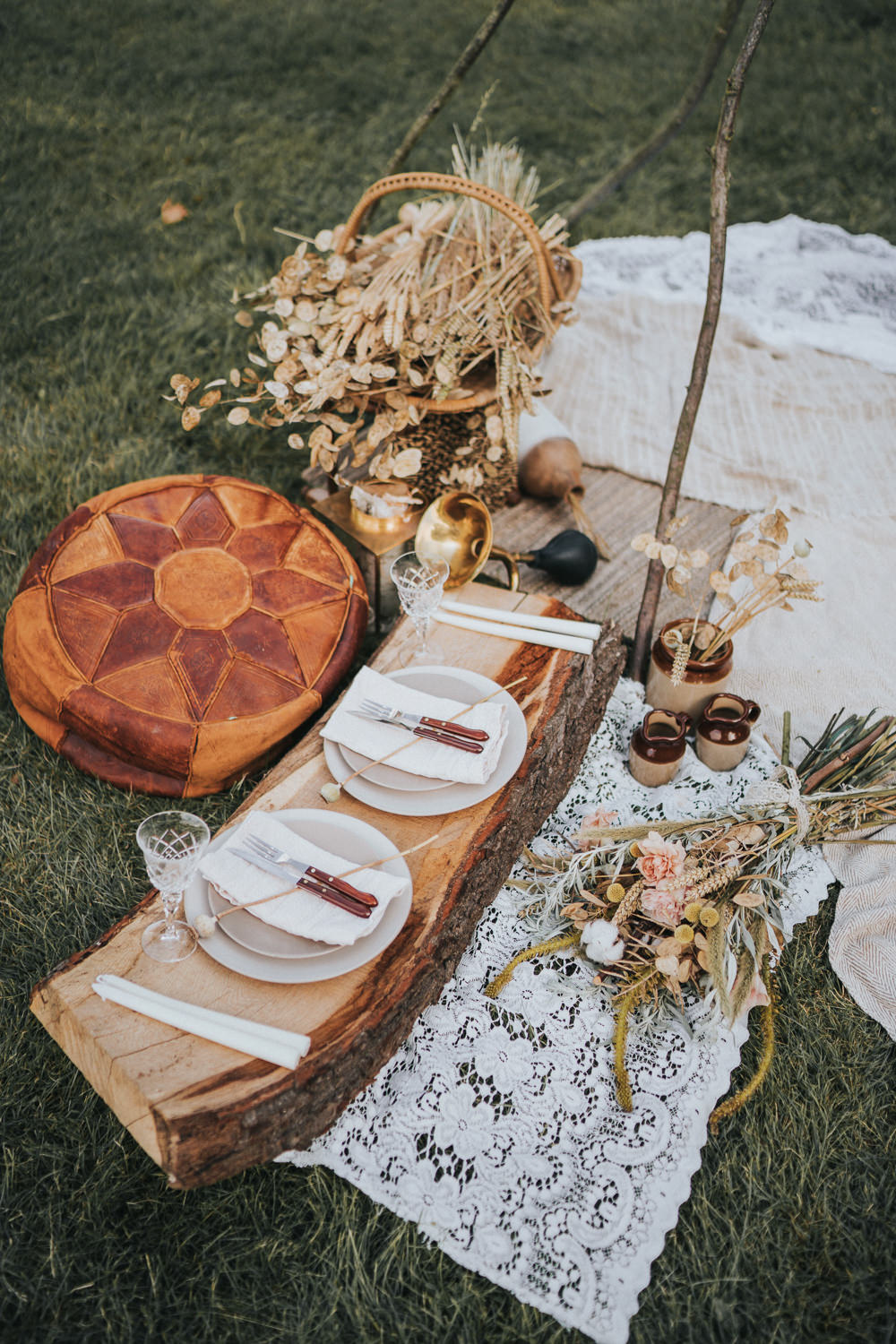 Picnic Sweetheart Table Log Slice Naked Tipi Wedding Ideas Holly Rose Stones