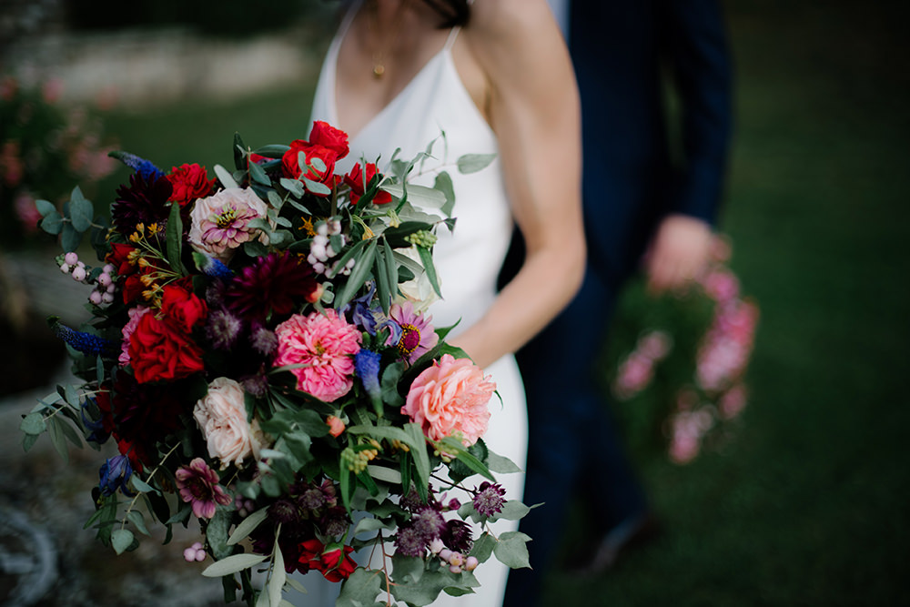 Bouquet Flowers Bride Bridal Dahlia Rose Eucalyptus Red Pink Tuscany Wedding Lelia Scarfiotti